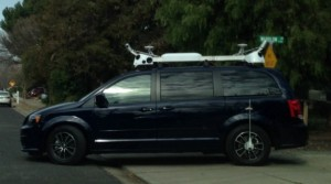 Appleの撮影車?